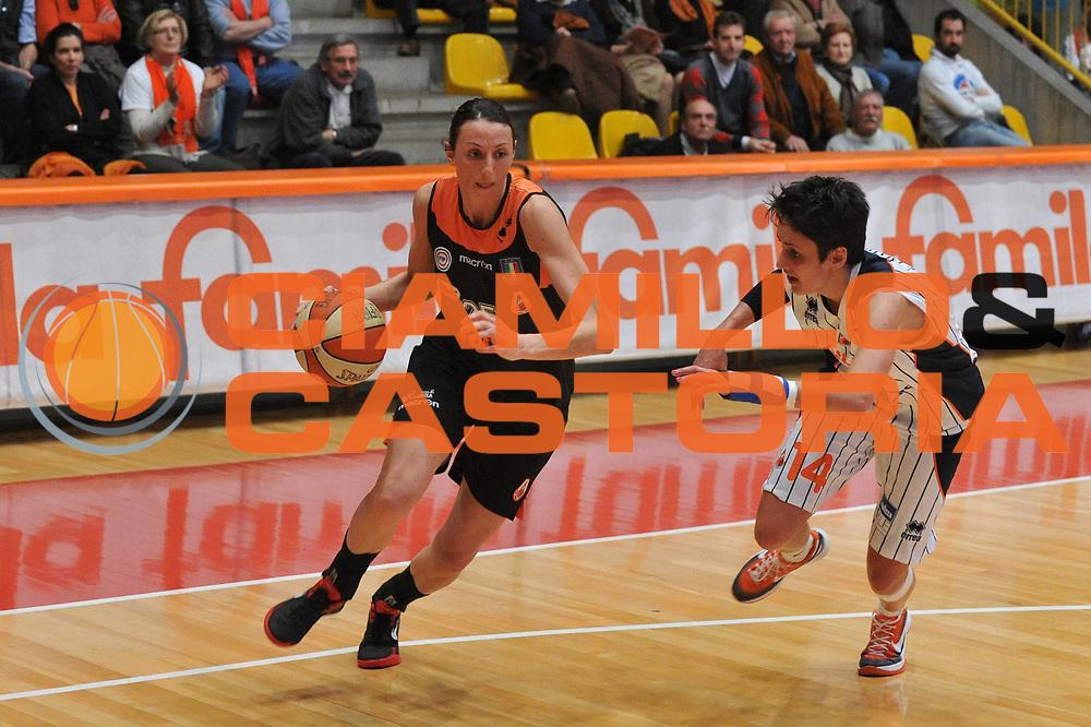 DESCRIZIONE : Schio Vicenza Lega A1 Femminile 2011-12 Coppa Italia Semifinale Famila Wuber Schio Liomatic Umbertide<br /> GIOCATORE : laura macchi<br /> CATEGORIA : palleggio<br /> SQUADRA :Famila Wuber Schio Liomatic Umbertide<br /> EVENTO : Campionato Lega A1 Femminile 2011-2012 <br /> GARA : Famila Wuber Schio Liomatic Umbertide<br /> DATA : 17/03/2012 <br /> SPORT : Pallacanestro <br /> AUTORE : Agenzia Ciamillo-Castoria/M.Gregolin<br /> Galleria : Lega Basket Femminile 2011-2012 <br /> Fotonotizia : Schio Vicenza Lega A1 Femminile 2011-12 Coppa Italia Semifinale Famila Wuber Schio Liomatic Umbertide<br /> Predefinita :
