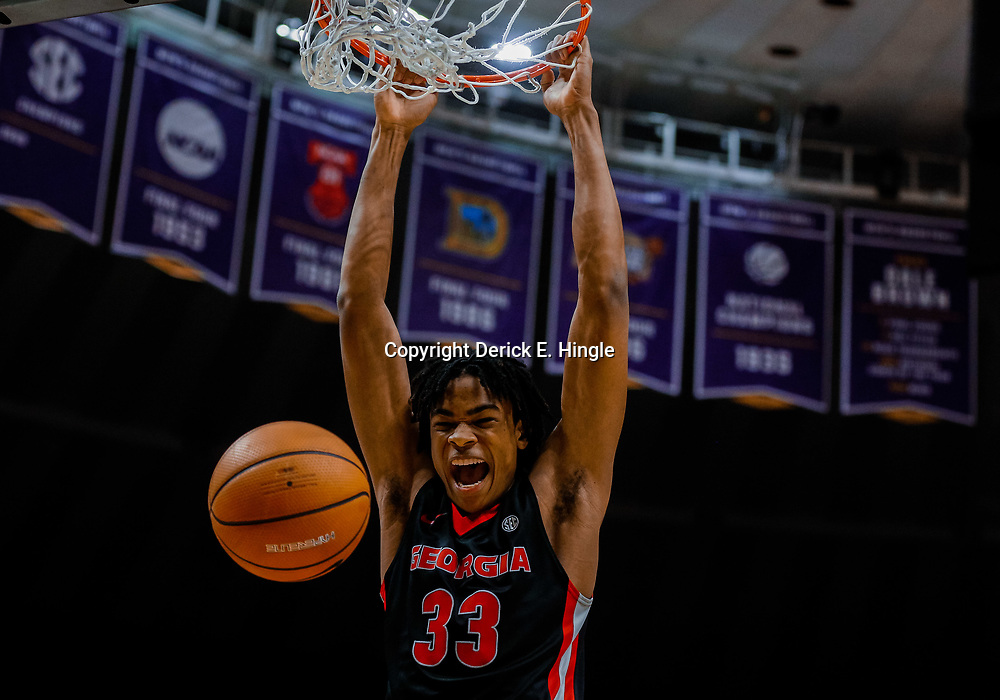 Jan 16, 2018; Baton Rouge, LA, USA; Georgia Bulldogs forward Nicolas Claxton (33) dunks against the LSU Tigers during the first half at the Pete Maravich Assembly Center. Mandatory Credit: Derick E. Hingle-USA TODAY Sports
