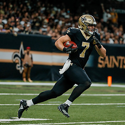 Sep 16, 2018; New Orleans, LA, USA; New Orleans Saints specialist Taysom Hill (7) returns a kickoff during the third quarter of a game against the Cleveland Browns at the Mercedes-Benz Superdome. The Saints defeated the Browns 21-18. Mandatory Credit: Derick E. Hingle-USA TODAY Sports