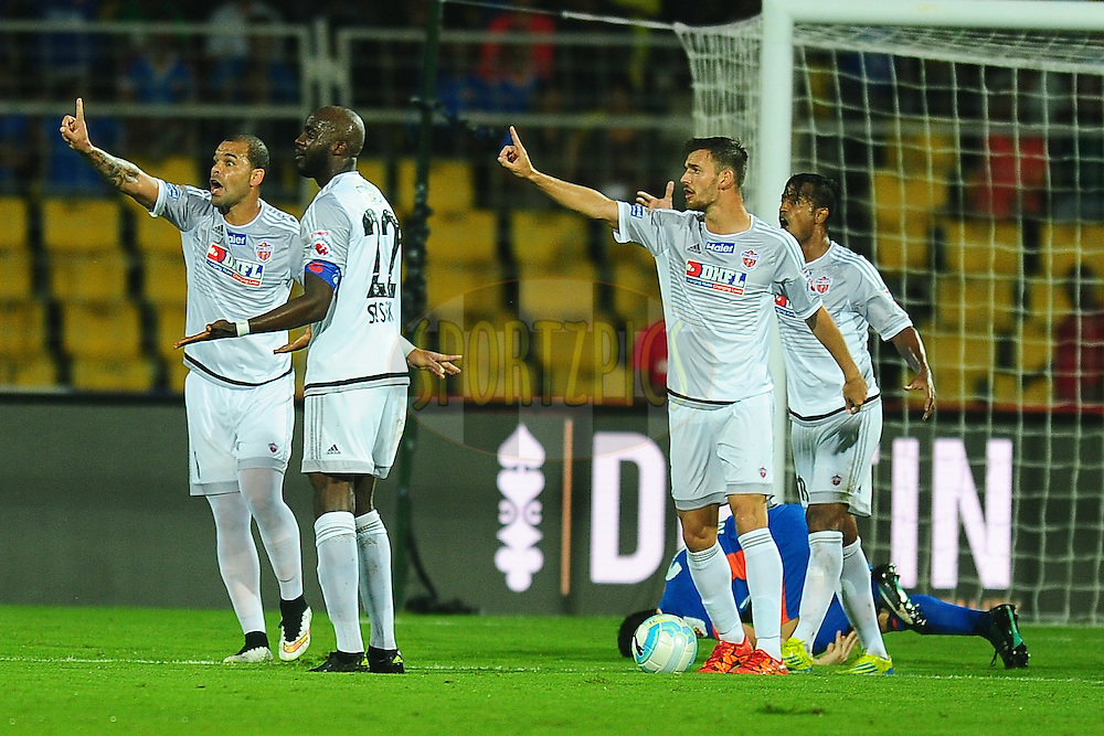 FC Pune City players appeals  during match 8 of the Indian Super League (ISL) season 3 between FC Goa and FC Pune City held at the Fatorda Stadium in Goa, India on the 8th October 2016.<br /> <br /> Photo by Faheem Hussain / ISL/ SPORTZPICS