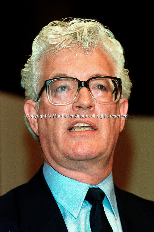 Rodney Bickerstaffe..© Martin Jenkinson tel/fax 0114 258 6808  mobile 0831 189363 email martin@report.u-net.com  NUJ recommended terms & conditions apply. Copyright Designs & Patents Act 1988. Moral rights asserted credit required. No part of this photo to be stored, reproduced, manipulated or transmitted by any means without prior written permission.