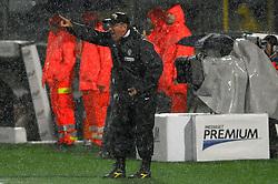 06.08.2010, Stadio Braglia, Modena, ITA, UEFA Europa League, Juventus Turin (ITA) vs Shamrock Rovers (IRL), im Bild l'allenatore della juventus luigi del neri.EXPA Pictures © 2010, PhotoCredit: EXPA/ InsideFoto/ Massimo Oliva +++++ ATTENTION - FOR AUSTRIA AND SLOVENIA CLIENT ONLY +++++.. . / SPORTIDA PHOTO AGENCY