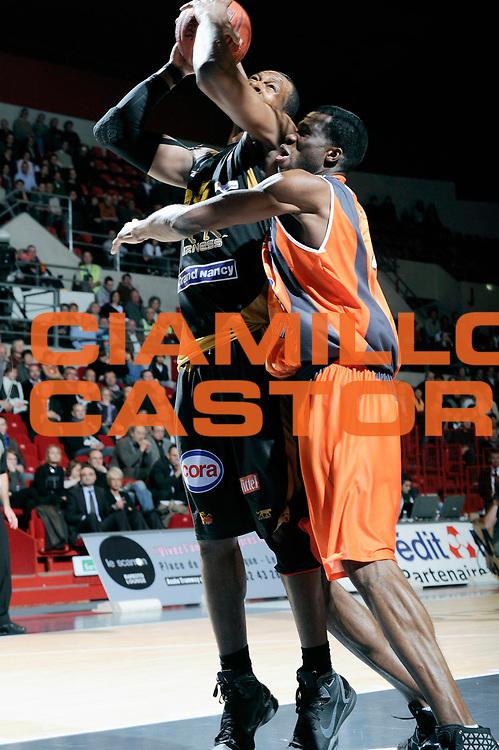 DESCRIZIONE : Championnat de France Basket Ligue Pro A  au Mans<br /> GIOCATORE : Akingbala Akin <br /> SQUADRA : Nancy<br /> EVENTO : Ligue Pro A  2010-2011<br /> GARA : Le Mans Nancy<br /> DATA : 26/11/2010<br /> CATEGORIA : Basketbal France Ligue Pro A<br /> SPORT : Basketball<br /> AUTORE : JF Molliere par Agenzia Ciamillo-Castoria <br /> Galleria : France Basket 2010-2011 Action<br /> Fotonotizia : Championnat de France Basket Ligue Pro A au Mans<br /> Predefinita :