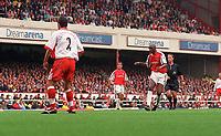 Patrick Vieira shoots past Charlton Athletic goalkeeper Dean Kiely to score the 3rd Arsenal goal. Arsenal v Charlton Athletic, 26/8/00. Credit: Colorsport / Andrew Cowie.