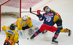 29.03.2019, Albert Schultz Halle, Wien, AUT, EBEL, Vienna Capitals vs EC Red Bull Salzburg, Halbfinale, 1. Spiel, im Bild v.l. Matt Clark (spusu Vienna Capitals), Jean Philippe Lamoreux (spusu Vienna Capitals), Christopher Van De Velde (EC Red Bull Salzburg) und Alex Wall (spusu Vienna Capitals) // during the Erste Bank Icehockey 1st semifinal match between Vienna Capitals and EC Red Bull Salzburg at the Albert Schultz Halle in Wien, Austria on 2019/03/29. EXPA Pictures © 2019, PhotoCredit: EXPA/ Thomas Haumer