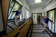 Foto: Gerrit de Heus. Den Haag. OCW. Punt 6/05. 10/05/05. Terug naar School.