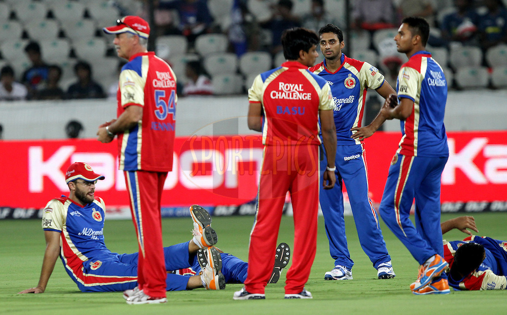 RCB team members relaxing before  match 11 of the Indian Premier League ( IPL ) between the Deccan Chargers and the Royal Challengers Bangalore held at the Rajiv Gandhi International Cricket Stadium in Hyderabad on the 14th April 2011..Photo by Prashant Bhoot/BCCI/SPORTZPICS.