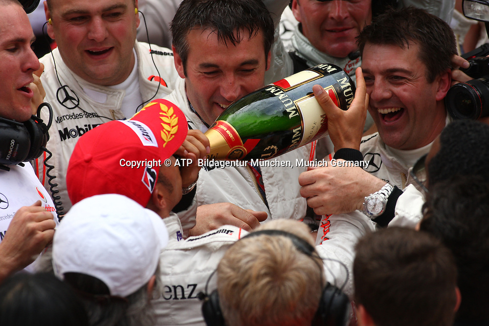 Monaco 25.05.2008 - Formula 1 Grand Prix of Monaco - Lewis HAMILTON, Team McLaren-Mercedes celebrates after winning in Monaco 2008 - Monte Carlo, Formel 1 -  F1 GP de Monaco - Foto: © ATP Stephane MAYOR