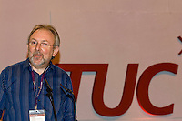 Ian Murch, NUT, speaking at the TUC, Brighton 2007...© Martin Jenkinson, tel 0114 258 6808 mobile 07831 189363 email martin@pressphotos.co.uk. Copyright Designs & Patents Act 1988, moral rights asserted credit required. No part of this photo to be stored, reproduced, manipulated or transmitted to third parties by any means without prior written permission