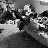 Stamattina l'assemblea sociale per la casa ha occupato una casa ater chiusa da 4 anni, lasciata al completo degrado e da oggi autoassegnata a una giovane coppia con tre bambini