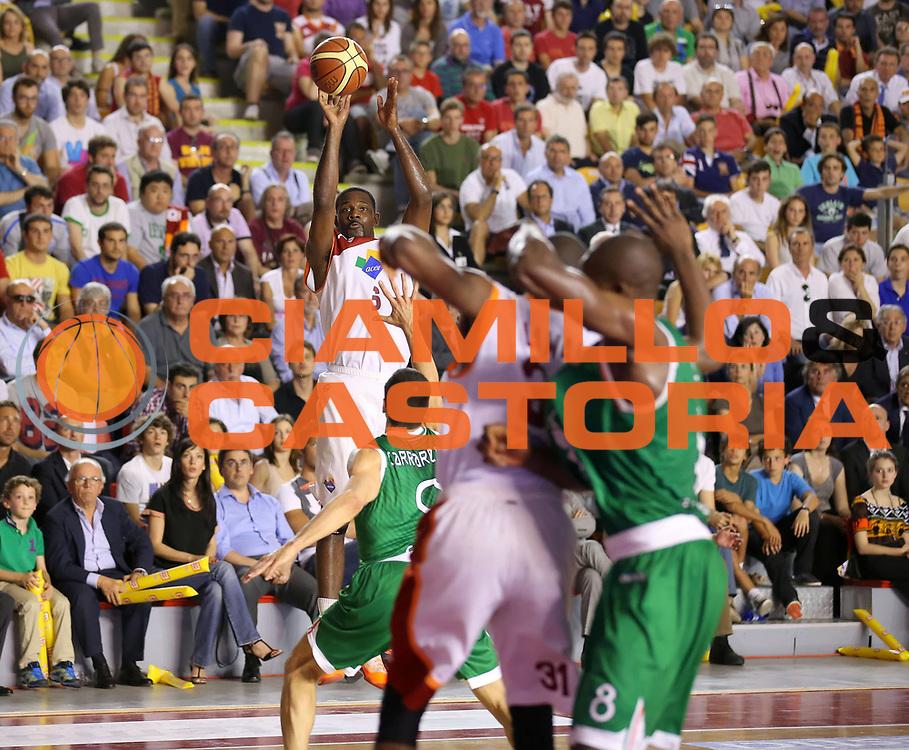 DESCRIZIONE : Roma Lega A 2012-2013 Acea Roma Montepaschi Siena playoff finale gara 1<br /> GIOCATORE : Bobby Jones<br /> CATEGORIA : tiro<br /> SQUADRA : Acea Roma<br /> EVENTO : Campionato Lega A 2012-2013 playoff finale gara 1<br /> GARA : Acea Roma Montepaschi Siena<br /> DATA : 11/06/2013<br /> SPORT : Pallacanestro <br /> AUTORE : Agenzia Ciamillo-Castoria/ElioCastoria<br /> Galleria : Lega Basket A 2012-2013  <br /> Fotonotizia : Roma Lega A 2012-2013 Acea Roma Montepaschi Siena playoff finale gara 1<br /> Predefinita :