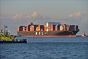 Nederland, Rotterdam, 3-3-2015 Aankomst van een groot containerschip , de MV Quartzr van MOL in de haven van Rotterdam. Lengte van 369 meter, breedte van 51 meter.Foto: Flip Franssen/ Hollandse Hoogte