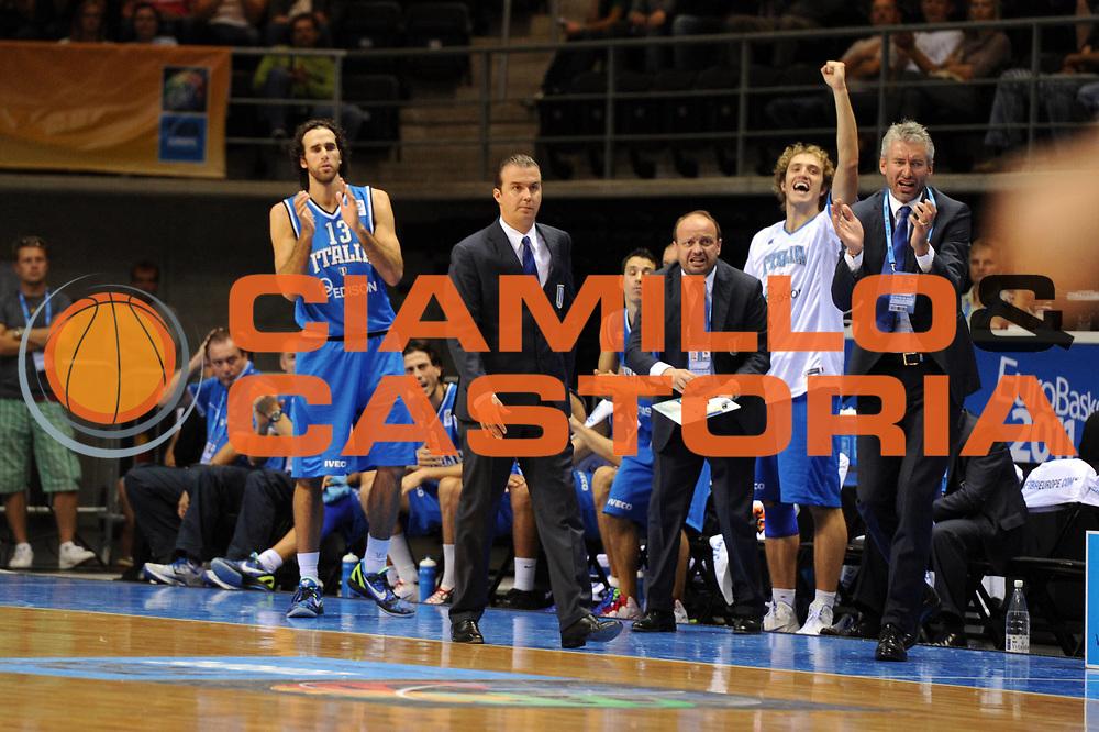 DESCRIZIONE : Siauliai Lithuania Lituania Eurobasket Men 2011 Preliminary Round Italia Israel Italy Israele<br /> GIOCATORE : Simone Pianigiani Coach Riccardo Pittis<br /> SQUADRA : Italia Italy<br /> EVENTO : Eurobasket Men 2011<br /> GARA : Italia Israele Italy Israel<br /> DATA : 05/09/2011 <br /> CATEGORIA : esultanza<br /> SPORT : Pallacanestro <br /> AUTORE : Agenzia Ciamillo-Castoria/GiulioCiamillo<br /> Galleria : Eurobasket Men 2011 <br /> Fotonotizia : Siauliai Lithuania Lituania Eurobasket Men 2011 Preliminary Round Italia Israel Italy Israele<br /> Predefinita :
