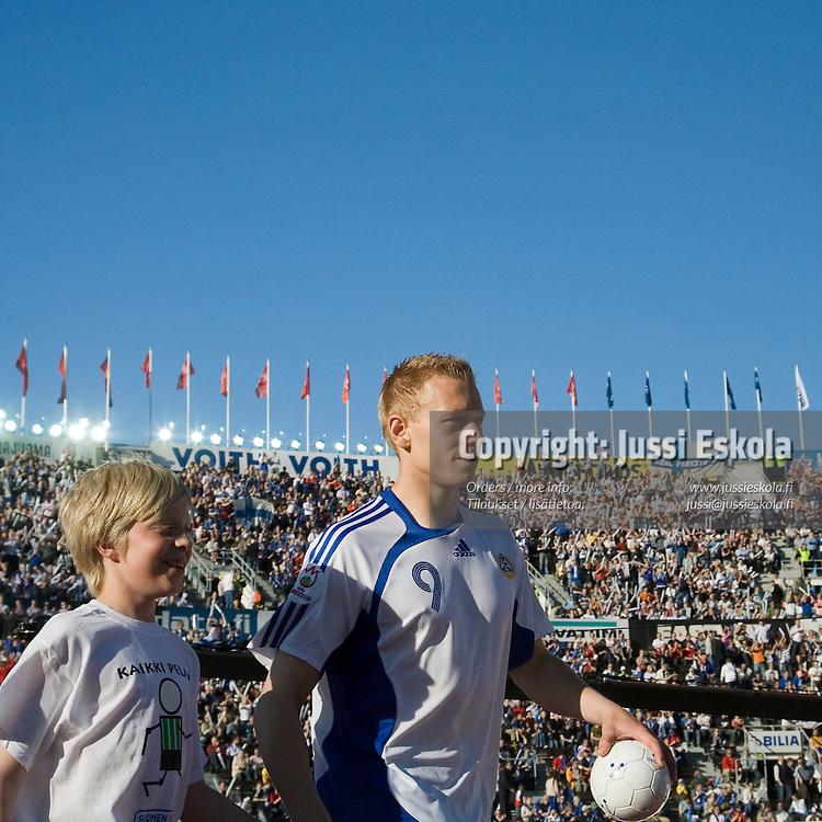 Mikael Forssell. Suomi-Serbia, EM-karsinta, Olympiastadion. Helsinki 2.6.2007. Photo: Jussi Eskola