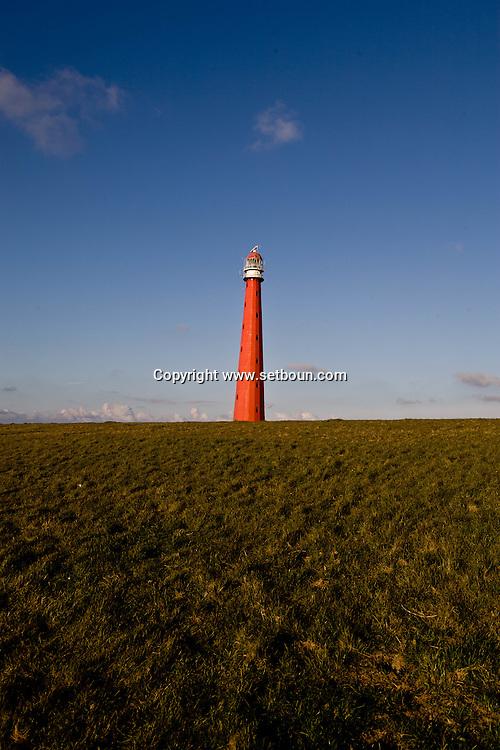 Den Helder lighthouse and digue on Nord see  Den Helder - Netherlands    / Den Helder,  phare et digue sur la mer du nord  Den Helder - Pays Bas   / NL508