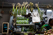 Belo Horizonte_MG, Brasil...80 anos do Mercado Central. Na foto comercio de verduras...The 80 years of Mercado Central. In this photo the vegetables commerce...Foto: LEO DRUMOND / NITRO.