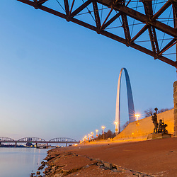 The Mississippi River and the Gateway Arch in St. Louis, Missouri. Jefferson National Expansion Memorial.