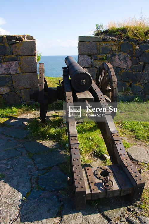 Old cannon, Suomenlinna Fortress (Unesco World Heritage site), Helsinki, Finland