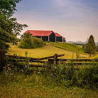 Red-roofed barn in Erin, Ontario