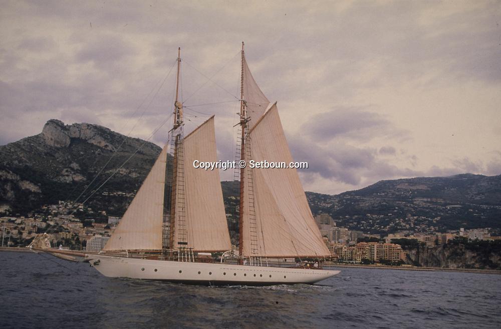 """old boats in the port during the """"classic week""""  Monaco - Monaco       ///  bateaux evoluant dans le port de monaco duant  la """"clasic week""""  Monaco - Monaco    ///  R00286/21    L3253  /  R00286  /  P0007586"""