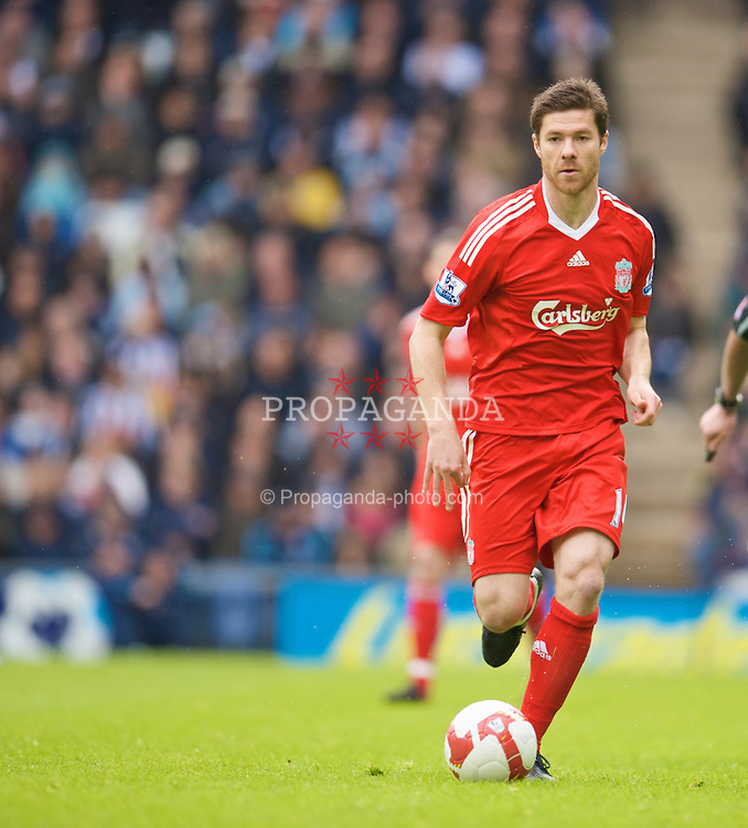 WEST BROMWICH, ENGLAND - Sunday, May 17, 2009: Liverpool's Xabi Alonso in action against West Bromwich Albion during the Premiership match at the Hawthorns. (Photo by David Rawcliffe/Propaganda)