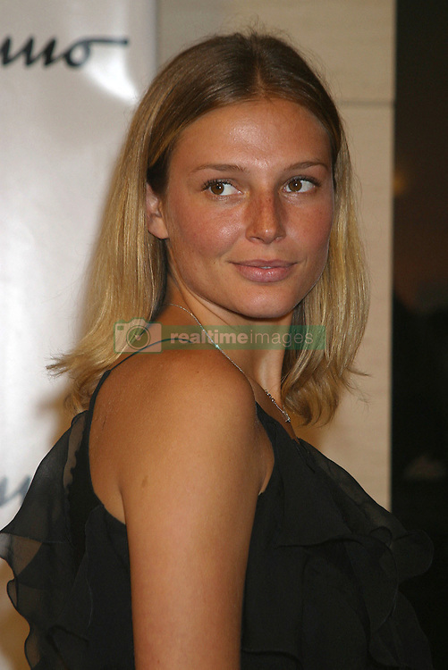 © Darla Khazei/ABACA. 49748. New York City-NY-USA, 12/09/2003. Model Bridget Hall at the opening of the Ferragamo Flagship Store on 52nd and fifth avenue.  Hall Bridget Seule Seul Seuls Seules Alone New York City New York USA United States of America Vereinigte Staaten von Amerika Etats-Unis Etats Unis Headshot Portraits Portrait Headshots Head Shot Head Shots Vertical Vertical  | 49748_11