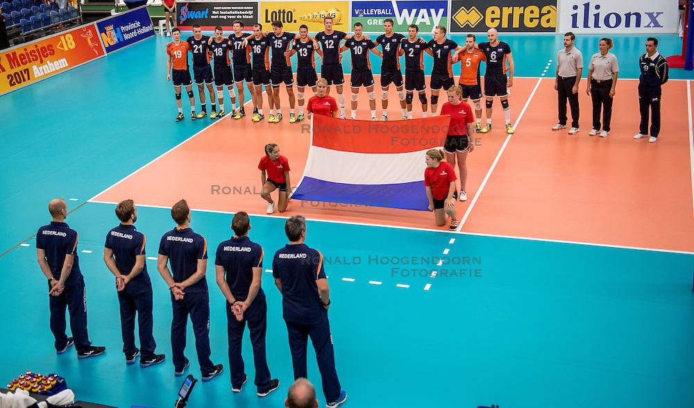 24-09-2016 NED: EK Kwalificatie Nederland - Wit Rusland, Koog aan de Zaan<br /> Nederland verliest de eerste twee sets / Nederland het volkslied