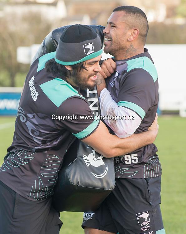 Picture by Allan McKenzie/SWpix.com - 10/11/2016 - Rugby League - 2016 Ladbrokes 4 Nations - New Zealand Kiwis Captains Run - Aspatria Rugby Club, Aspatria, England - Tohu Harris & Manu M'au warm up. Copyright Image: SWPix / www.photosport.nz