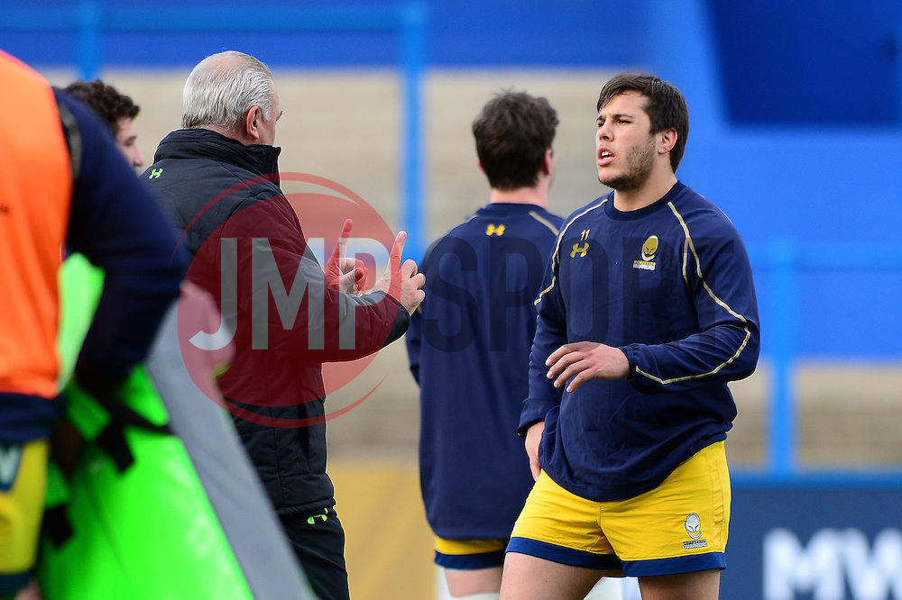 Worcester Warriors' director of rugby, Gary Gold speaks with Dean Hammond - Mandatory by-line: Dougie Allward/JMP - 04/02/2017 - RUGBY - BT Sport Cardiff Arms Park - Cardiff, Wales - Cardiff Blues v Worcester Warriors - Anglo Welsh Cup