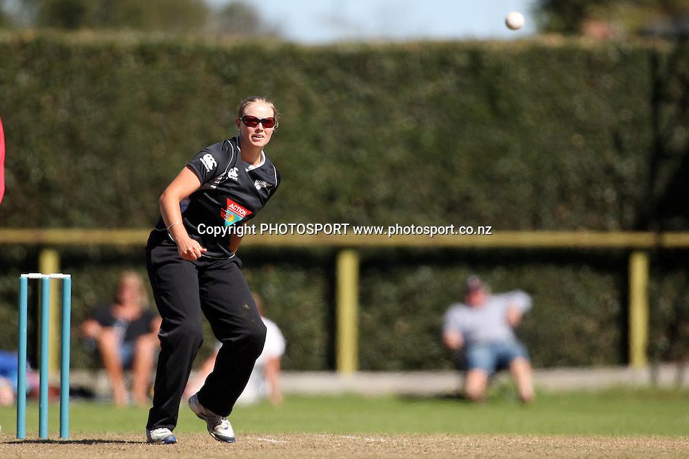 Aimee Watkins bowling, New Zealand White Ferns v Australia, Rosebowl cricket series, One day international, Queens Park, Invercargill. 6 March 2010. Photo: William Booth/PHOTOSPORT