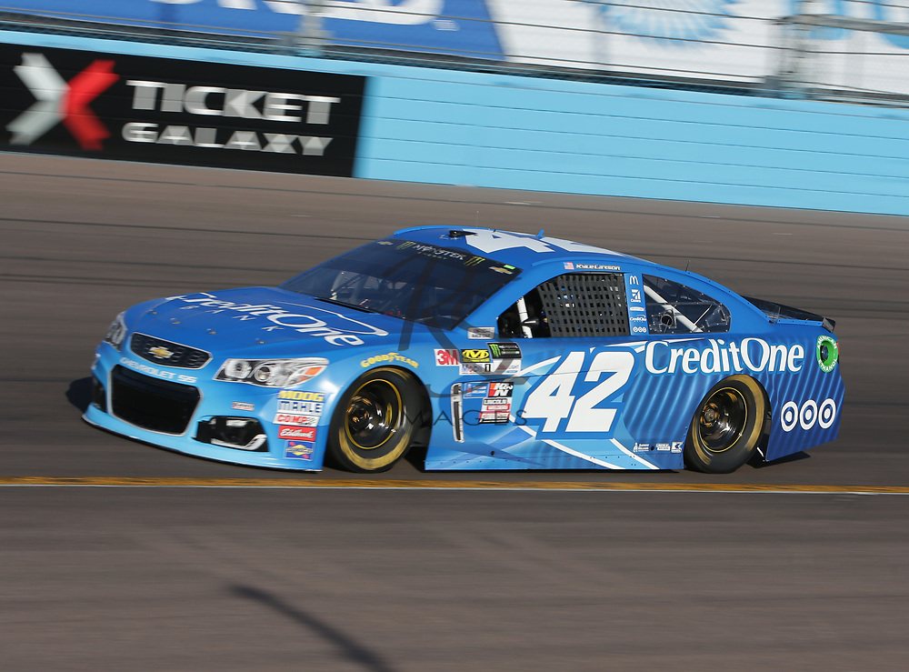 Kyle Larson qualifies for Sunday's NASCAR Cup Series auto race on Friday, March 17, 2017, in Avondale, Ariz.  (AP Photo/Rick Scuteri)
