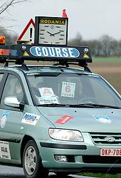 03-04-2006 WIELRENNEN: COURSE DOTTIGNIES: BELGIE<br /> Course auto - wielren item<br /> ©2006-WWW.FOTOHOOGENDOORN.NL