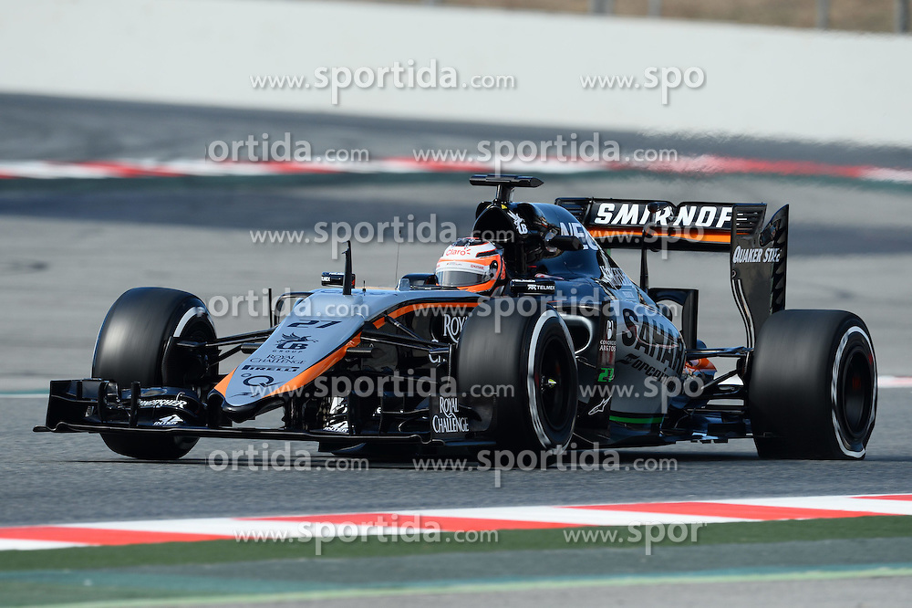 27.02.2015, Circuit de Catalunya, Barcelona, ESP, FIA, Formel 1, Testfahrten, Barcelona, Tag 2, im Bild Nico Hulkenberg (GER) Force India VJM08 with rear puncture // during the Formula One Testdrives, day two at the Circuit de Catalunya in Barcelona, Spain on 2015/02/27. EXPA Pictures &copy; 2015, PhotoCredit: EXPA/ Sutton Images/ Patrik Lundin Images<br /> <br /> *****ATTENTION - for AUT, SLO, CRO, SRB, BIH, MAZ only*****