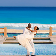 Wedding couple at Hilton Cancun