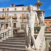 Fontana Pretoria, Piazza Pretoria, Palermo, Sicily, Italy