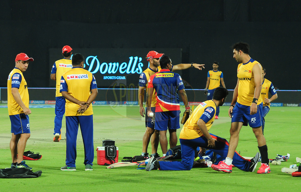 Delhi Daredevils team players warmup before match 21 of the Pepsi IPL 2015 (Indian Premier League) between The Delhi Daredevils and The Mumbai Indians held at the Ferozeshah Kotla stadium in Delhi, India on the 23rd April 2015.<br /> <br /> Photo by:  Arjun Panwar / SPORTZPICS / IPL