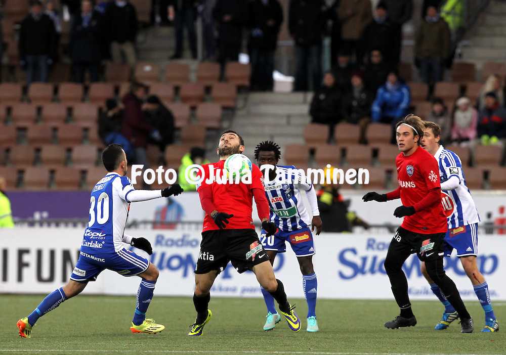 1.11.2014, Sonera Stadion, Helsinki.<br /> Suomen Cup 2013, loppuottelu Helsingin Jalkapalloklubi - FC Inter Turku.<br /> Irakli Sirbiladze &amp; Mika Ojala (Inter) v Erfan Zeneli, Anthony Annan &amp; Veli Lampi (HJK).