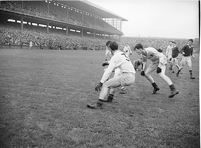 Neg no:.A789/43903-04404...24081958AISFCSF.24.08.1958...All Ireland Senior Football Championship - Semi-Final..Derry.02-06.Kerry.02-05