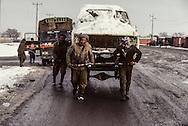 Afghanistan. On the road to Salang pass in winter    Afghanistan   /  Sur la route du col de Salang    Afghanistan  /  L0007430
