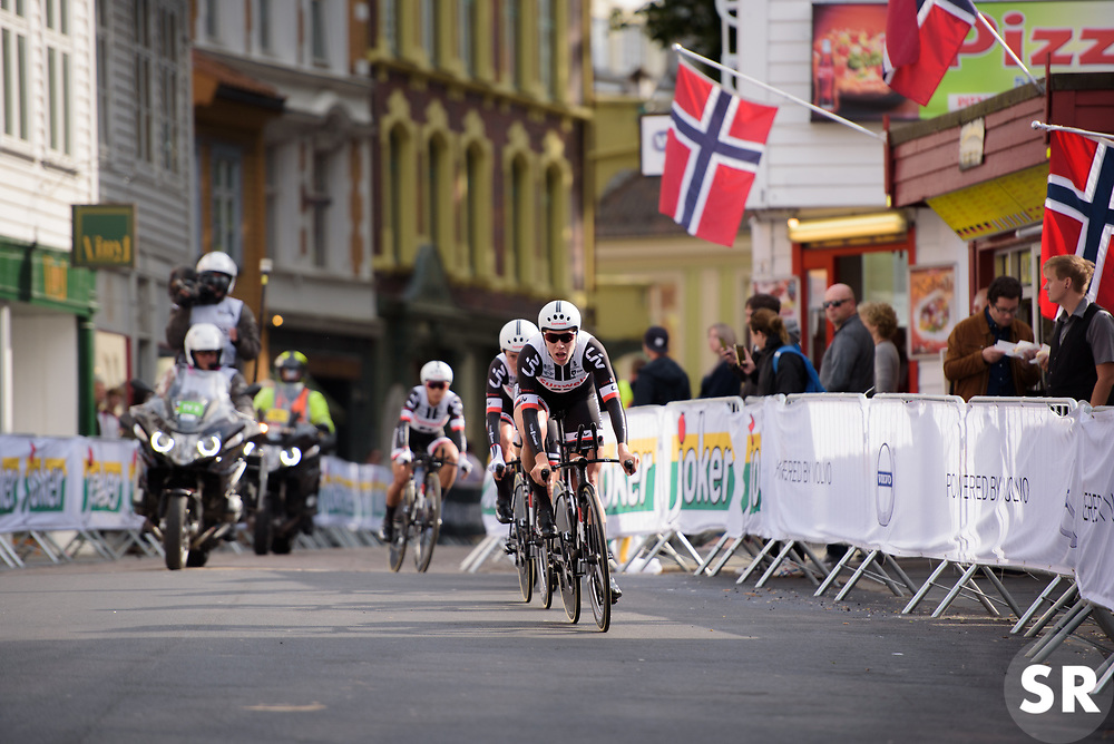 Team Sunweb lead by Ellen van Dijk at UCI Road World Championships Women's Team Time Trial 2017 a 42.5 km team time trial in Bergen, Norway on September 17, 2017. (Photo by Sean Robinson/Velofocus)