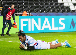 Teddy Thomas of Racing 92 scores his sides second try<br /> <br /> Photographer Simon King/Replay Images<br /> <br /> European Rugby Champions Cup Round 3 - Ospreys v Racing 92 - Saturday 7th December 2019 - Liberty Stadium - Swansea<br /> <br /> World Copyright © Replay Images . All rights reserved. info@replayimages.co.uk - http://replayimages.co.uk