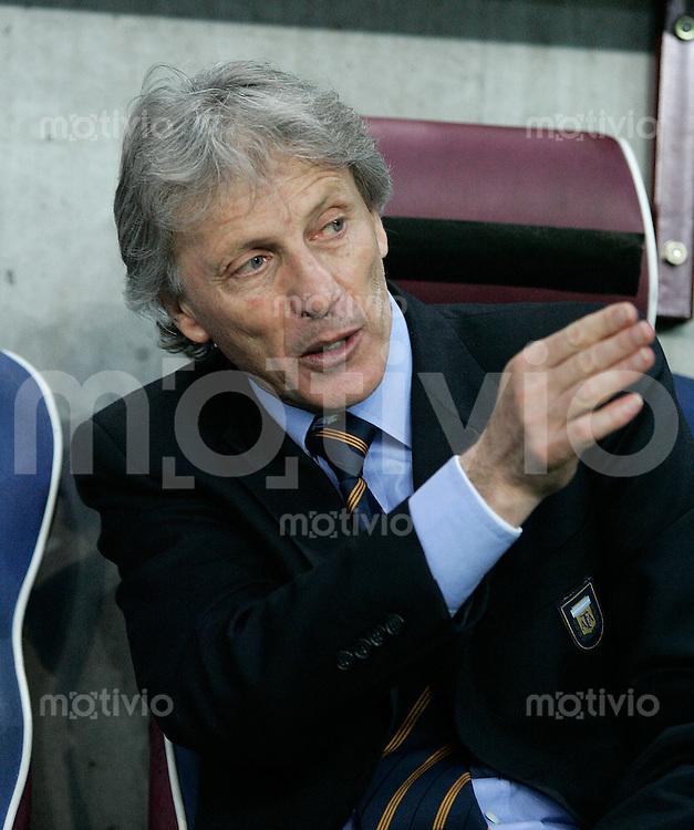 Fussball International Testspiel England 3-2 Argentinien ARG Trainer JosŽ Pekerman, Portraet