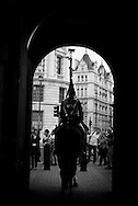 London. UK  Horse Guards Parade in Whitehall street / Londres . Grande Bretagne