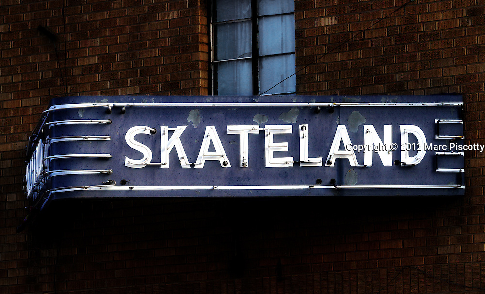 SHOT 1/1/12 3:36:09 PM - Signage for Skateland roller skating rink on West Main Street in Trinidad, Co.  (Photo by Marc Piscotty /  © 2012)