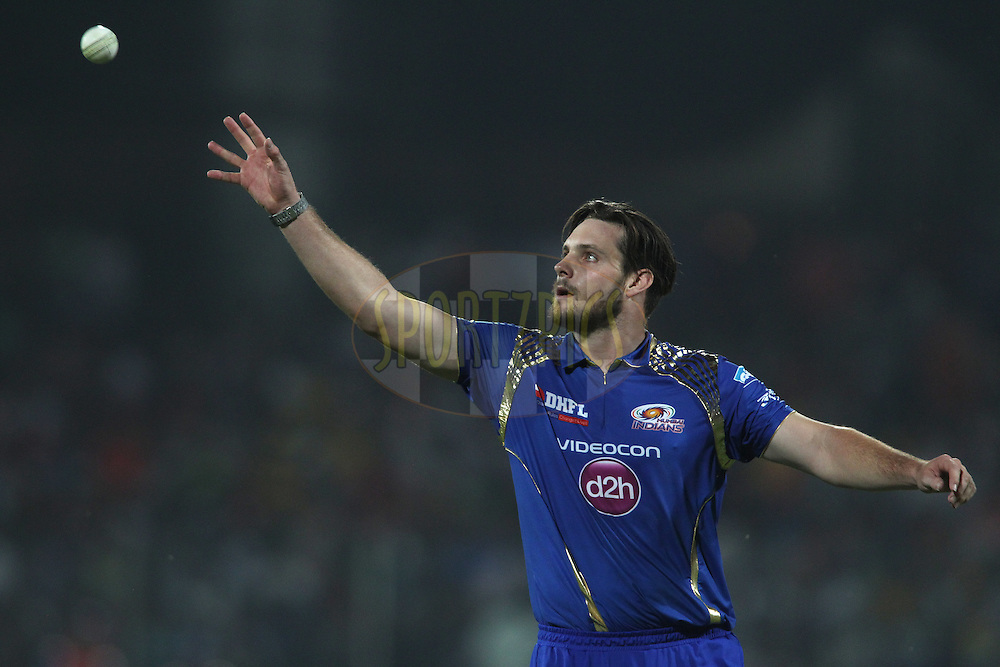 Mitchell McClenaghan of Mumbai Indians during match 21 of the Pepsi IPL 2015 (Indian Premier League) between The Delhi Daredevils and The Mumbai Indians held at the Ferozeshah Kotla stadium in Delhi, India on the 23rd April 2015.<br /> <br /> Photo by:  Shaun Roy / SPORTZPICS / IPL