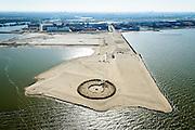 Nederland, Noord-Holland, IJburg, 20-04-2015; het nog maagdelijke Centrum-eiland van IJburg, de eerste grondwerkzaamheden. De cirkel is voor de PopUp UrbanCampsite, camping waar kamperen en kunst samenkomen.<br /> IJburg, the new urban development district of Amsterdam, with its main park, the to be developed Centre Island in its virgin state.<br /> <br /> luchtfoto (toeslag op standard tarieven);<br /> aerial photo (additional fee required);<br /> copyright foto/photo Siebe Swart