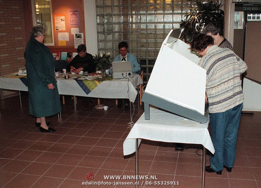 Stemcomputer gemeenteraadsverkiezingen 1998 in Vooranker