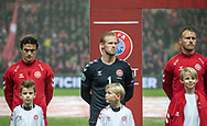 Thomas Delaney, Kasper Schmeichel og Simon Kjær (Danmark) under nationalsangene før EM Kvalifikationskampen mellem Danmark og Gibraltar den 15. november 2019 i Telia Parken (Foto: Claus Birch).