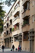 Vienna, Karl-Marx-Hof. Foreign and Austrian families.