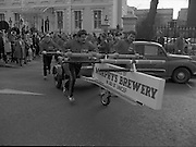 29/03/1978.03/29/1978.29th March 1978.Photograph shows the firemen as they set off from the Mansion House, Dawson Street, watched by members of the public.